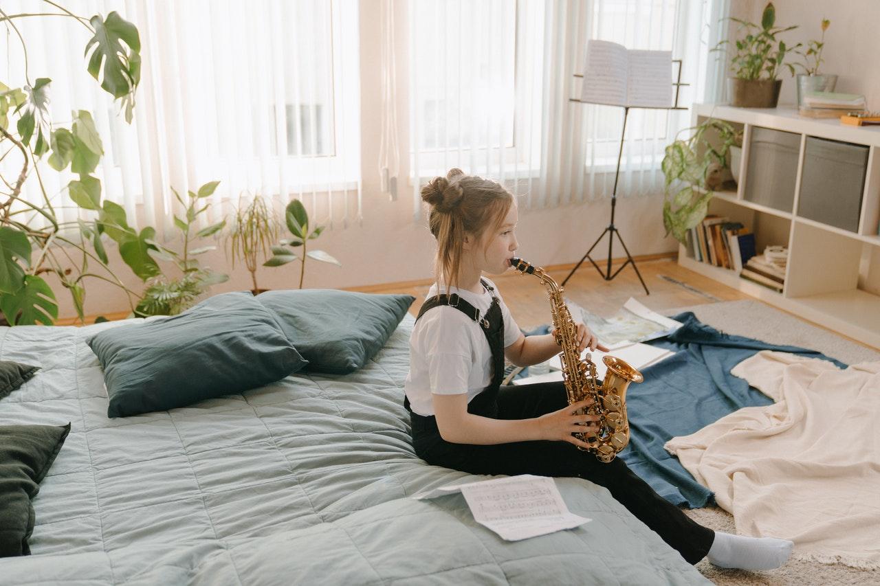 Dziewczynka z saksofonem
