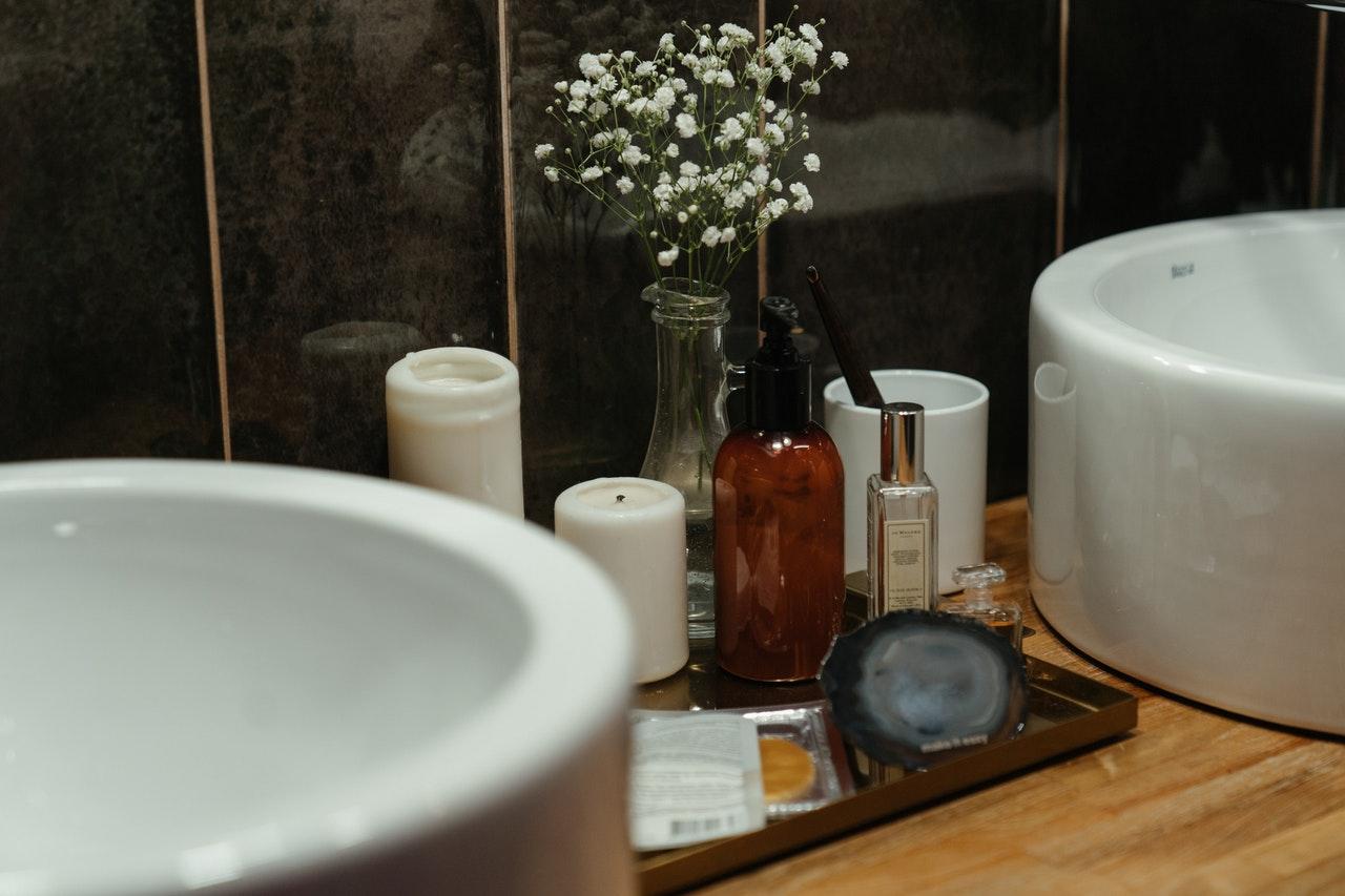 kosmetyki na umywalce